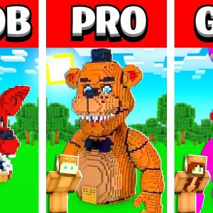 NOOB vs PRO vs GIRL FRIEND Minecraft FNAF ANIMATRONICS House Build Battle! (Building Challenge)