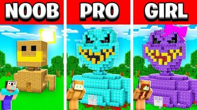 NOOB vs PRO vs GIRL FRIEND SMILING MAN Build Battle in Minecraft! (Building Challenge)